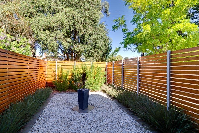 Small Garden Ideas Australia 21 perfect landscape ideas for small backyards australia – izvipi